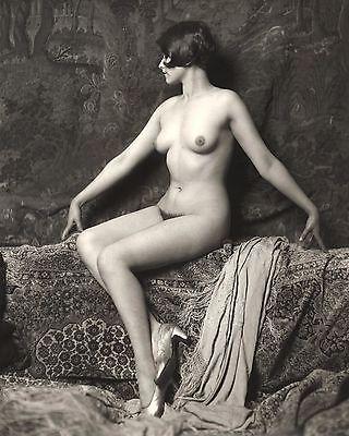 Vintage-Nude-Women-